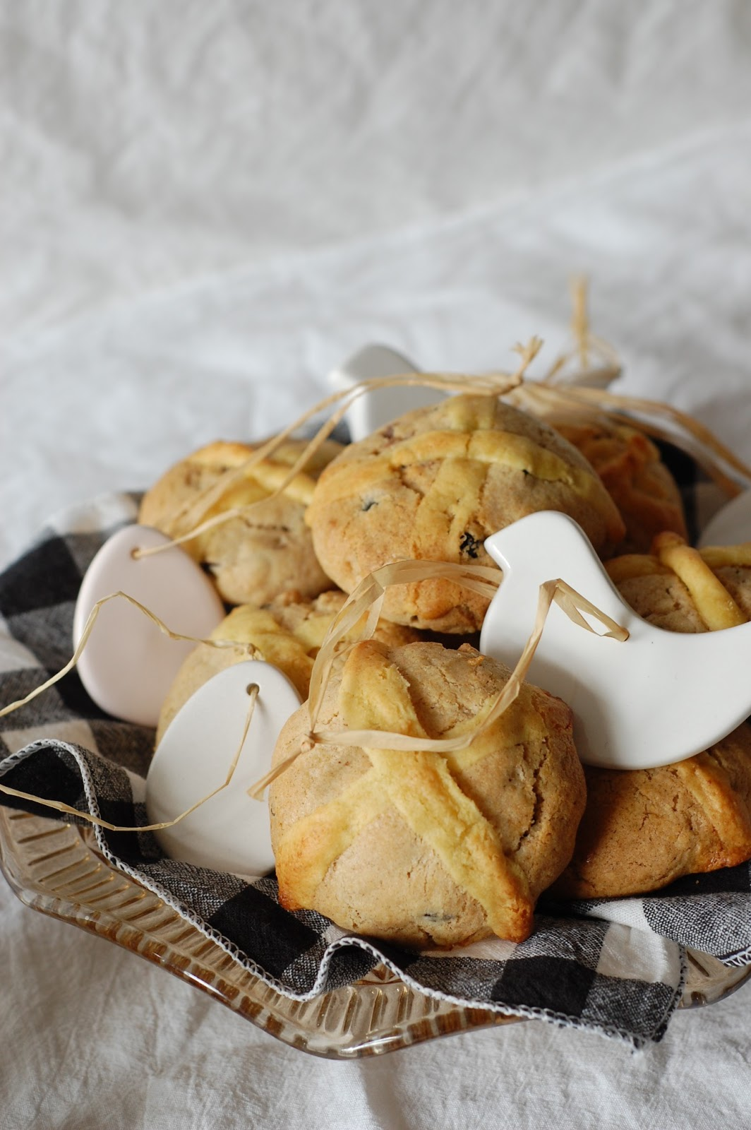 With Love and Cake: Hot Cross Bun Biscuits.