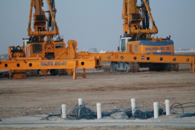 Picture of the machines on the Kingdom Tower construction site