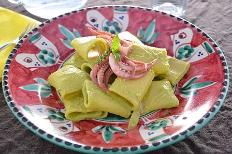 Pasta totanetti e crema di zucchine