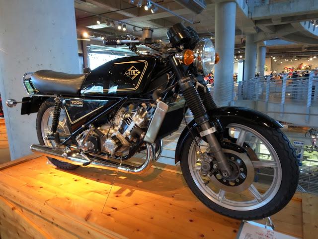 Silk 700S Mark II Sabre Motorcycle Barber Museum