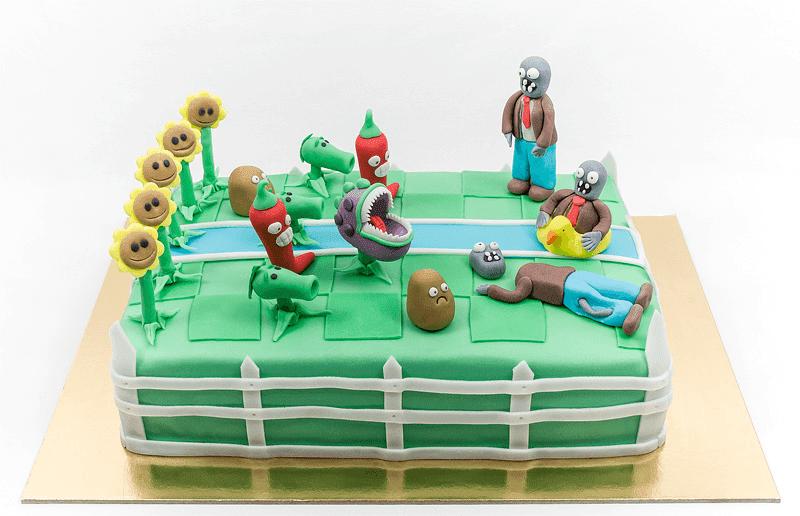Plants vs zombies fondant cake front shot