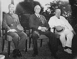 CONFERENCIA DEL CAIRO (01/12/1943) CHIANG KAI-SHEK, FRANKLIN ROOSEVELT, WINSTON CHURCHILL.