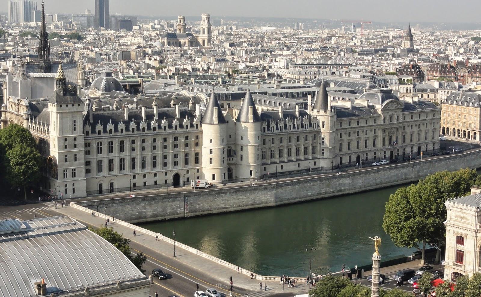 Palais de la cit paris historic walks for Les photos de paris