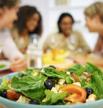 Les aliments M&M invite les Québécois à revenir au traditionnel repas en famille