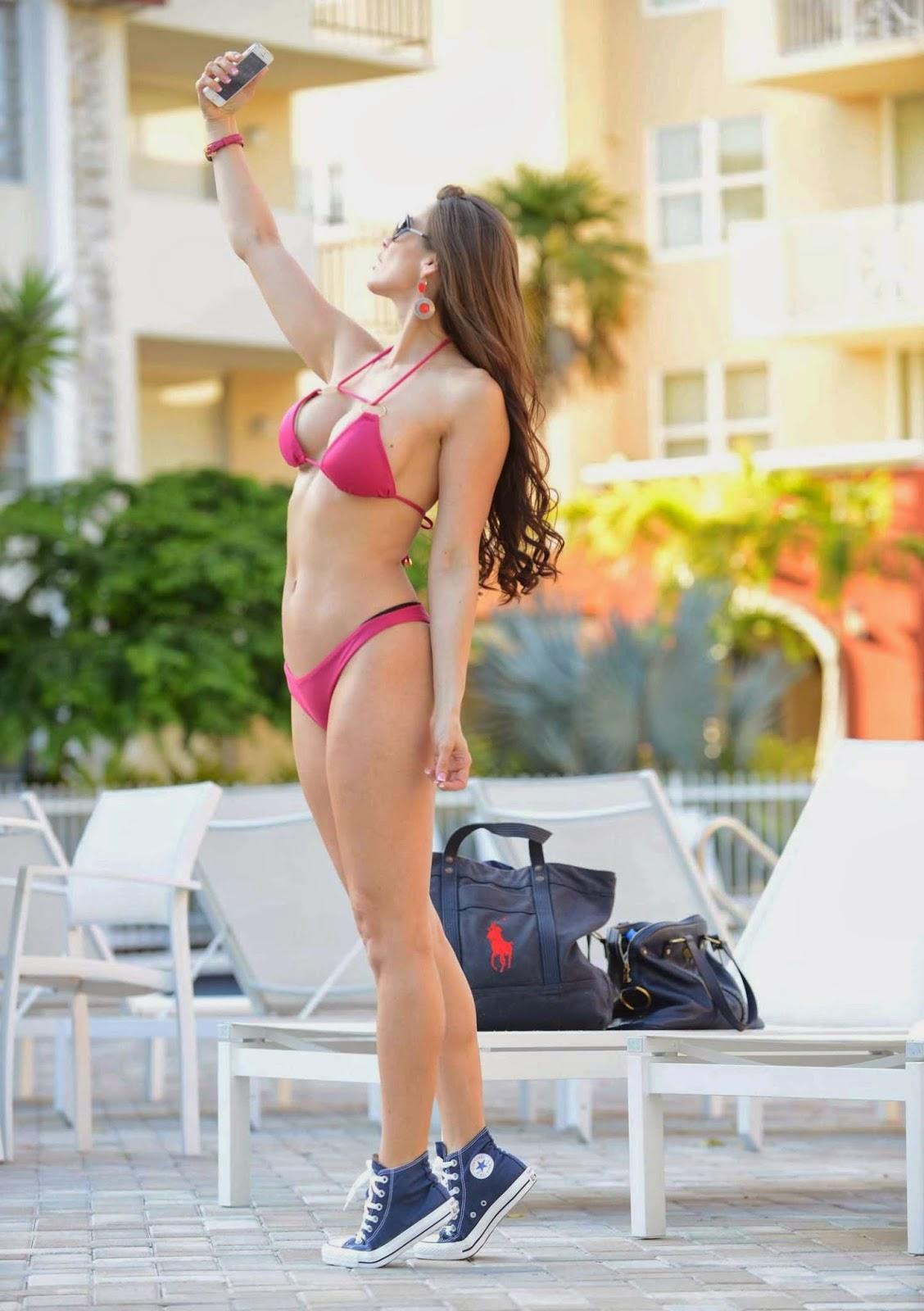 Anais Zanotti shows off her Red Bikini shapes at Miami on Saturday, March 22, 2014