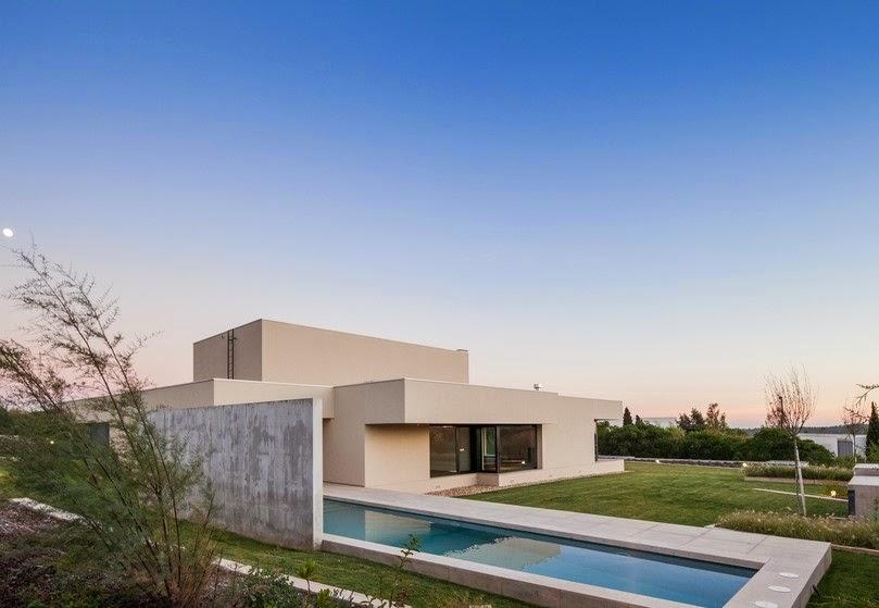 Desain Rumah Minimalis Modern di Portugal