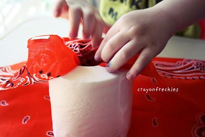 toilet paper halloween craft