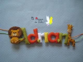 nombre-decorativo-en-fieltro-elbosquedelulu-hecho-a-mano-para-ti-Adrián-regalo-nacimiento-personalizado-decoración-infantil-león-jirafa-elbosquedelulu