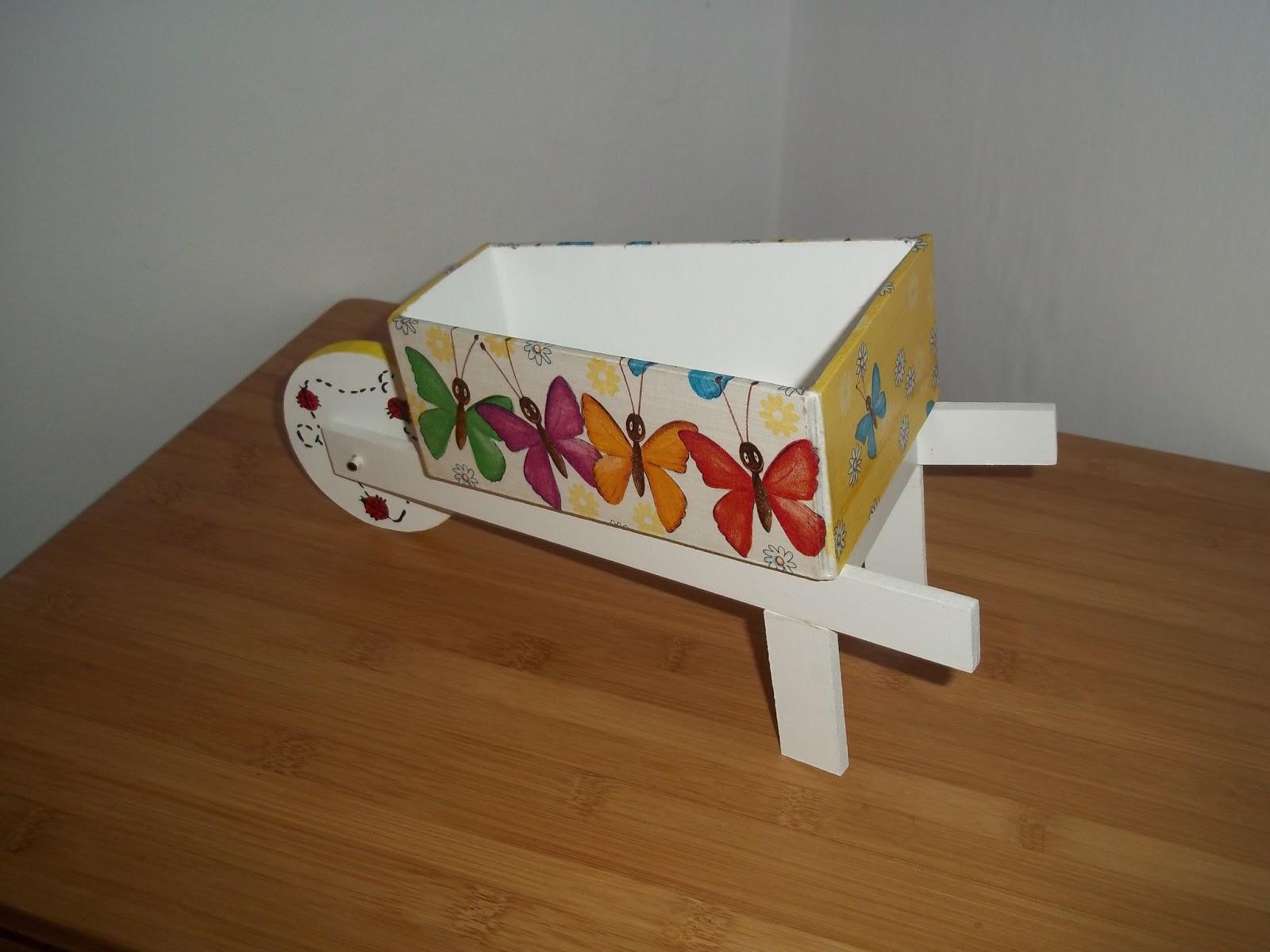 Articulos en fibrofacil carretilla porta objetos decoracion - Objetos decoracion ...