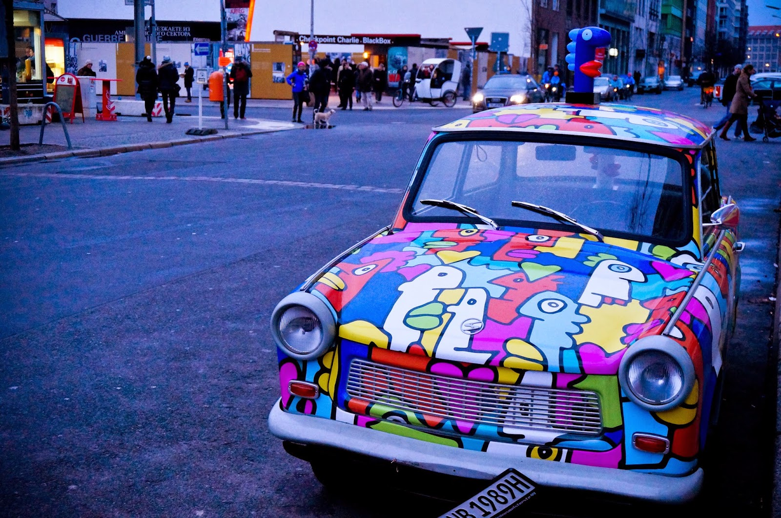 Berlin, mur berliński, checkpoint charlie