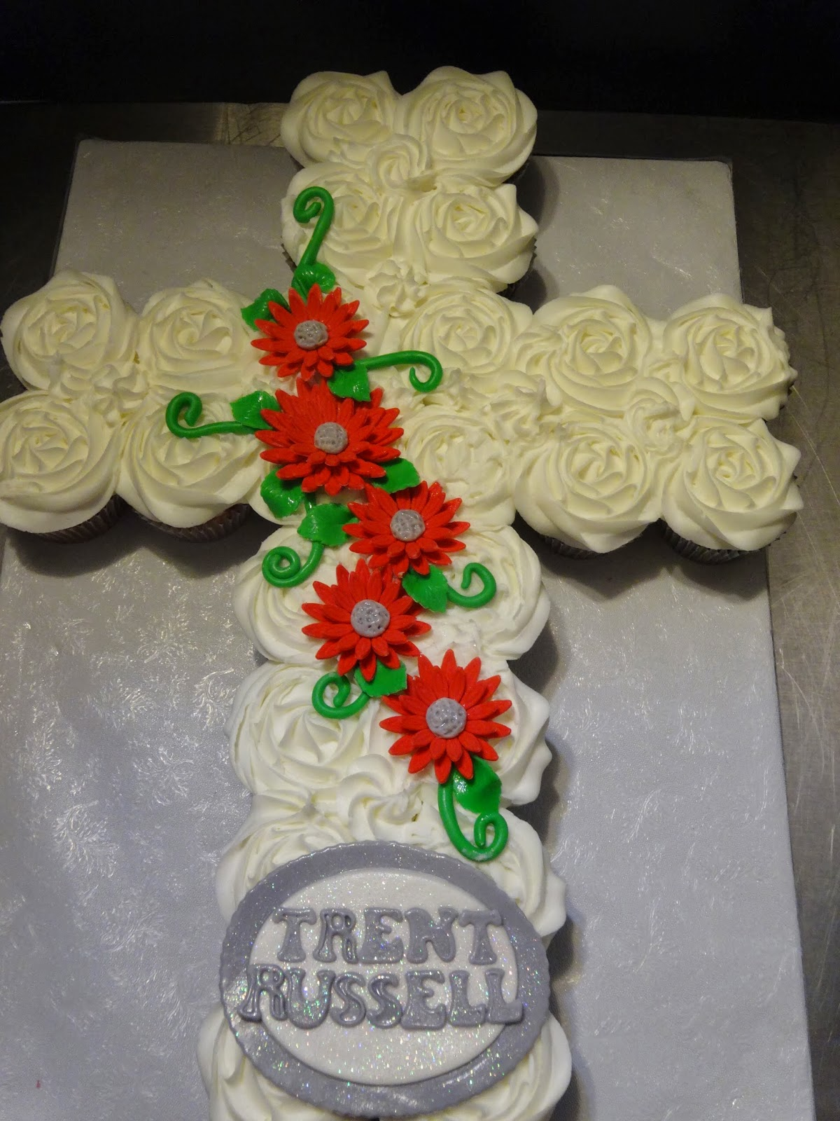 Cakes by Paula Confirmation Cross made of cupcakes and matching