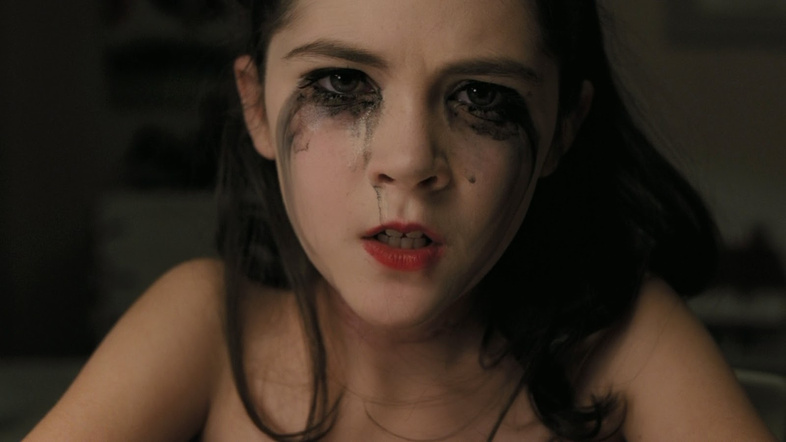 Orphan Movie Esther A Horror Diary: Review...