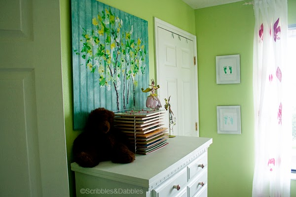 Scribbles&Dabbles: Bright Girls' Room Makeover -- crayon art