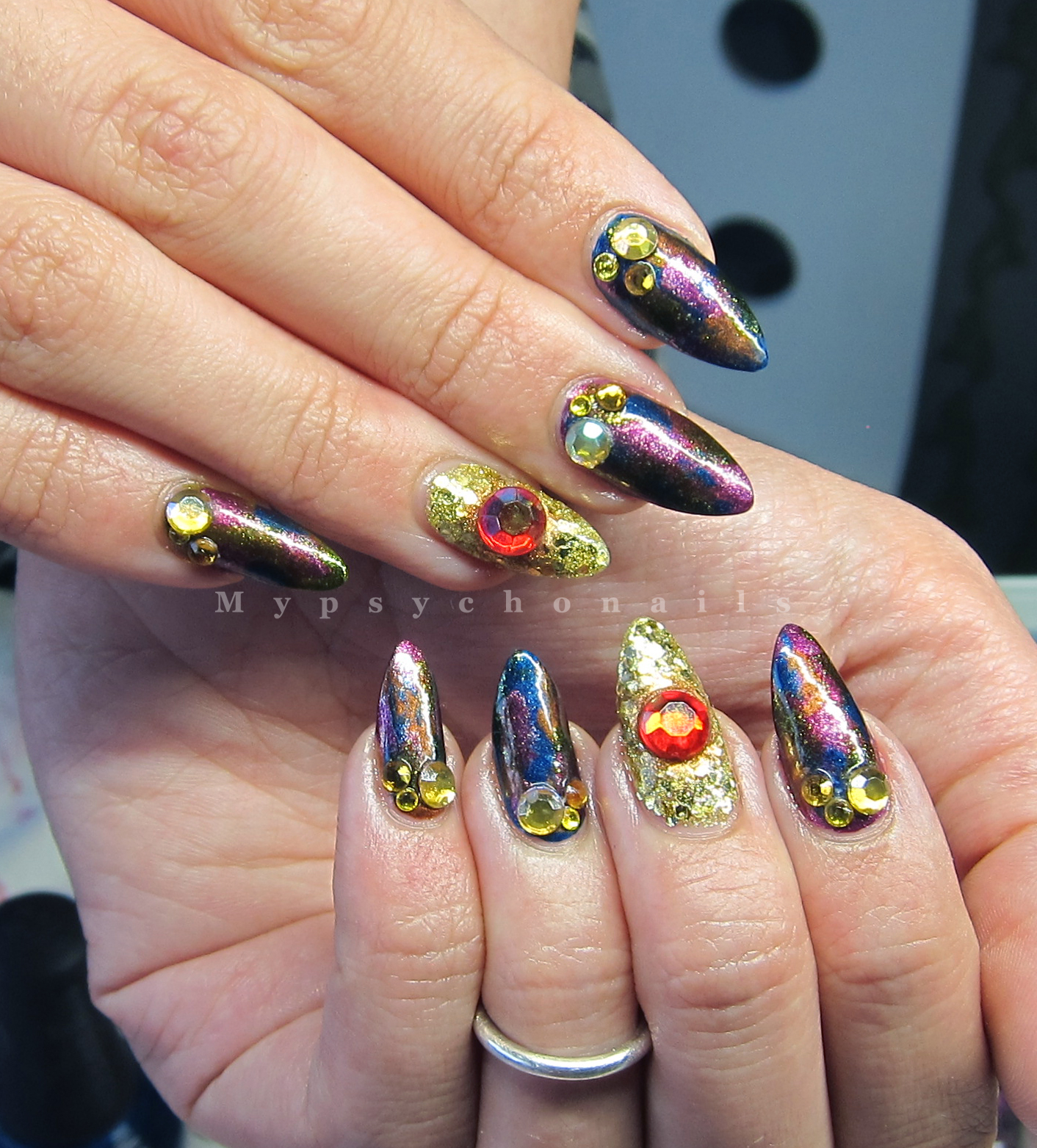Mypsychonails: Oil spill glamour nails