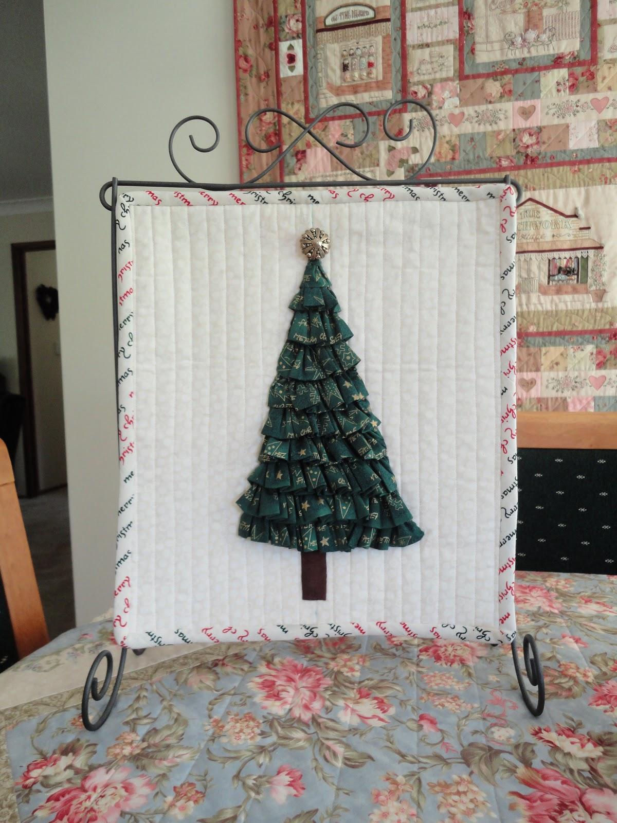 Helbel\'s world of craft..: Christmas mini quilt swap