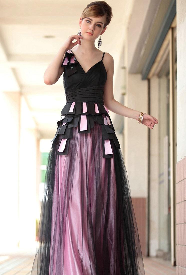 MEDIUM SHORT HAIRSTYLES: Long dresses are elegant and decent