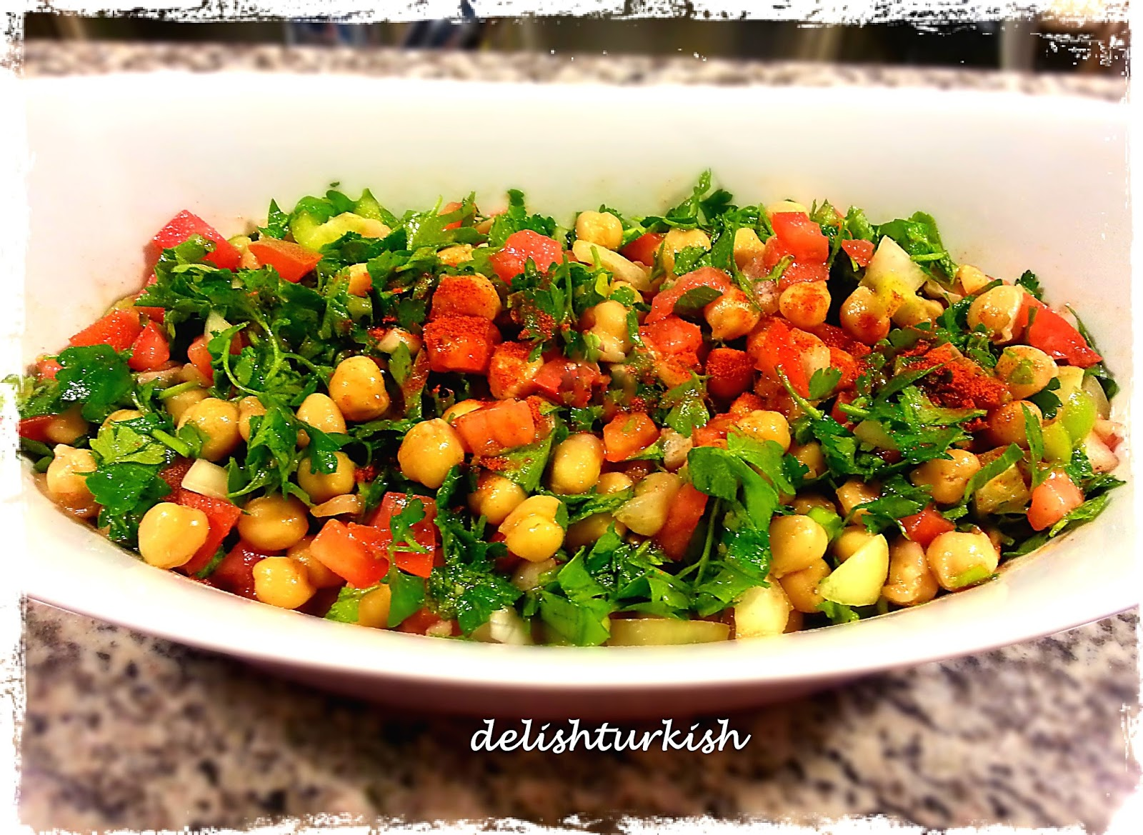 Delicious turkish food recipes chickpea salad nohut salatasi chickpea salad nohut salatasi forumfinder Images