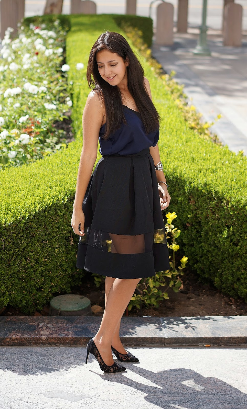 Express Pleated Skirt, Shoemint Lace pumps, Fashion Blogger,
