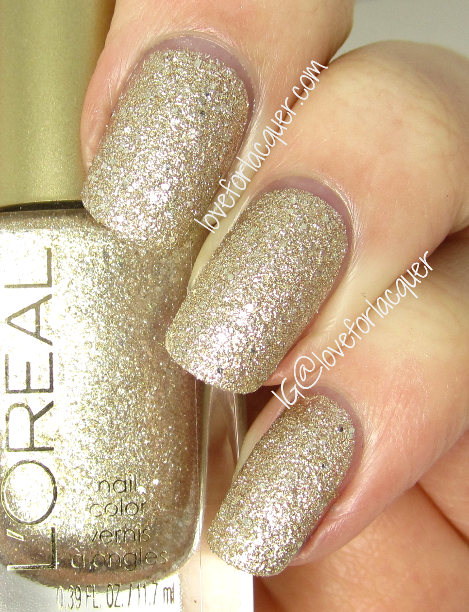 Loreal gold dust colour riche nail lacquer swatches review full too dimensional another one of my favorites lets be real i love them all but this one is a complete stand out i was so happy to see the gold solutioingenieria Choice Image