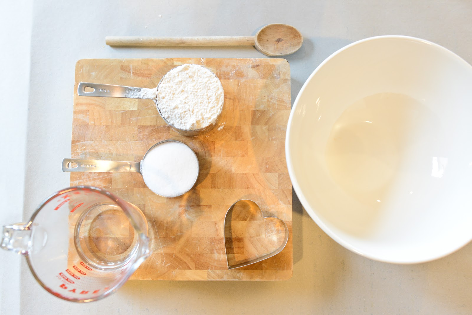 how to make dough out of flour salt and water