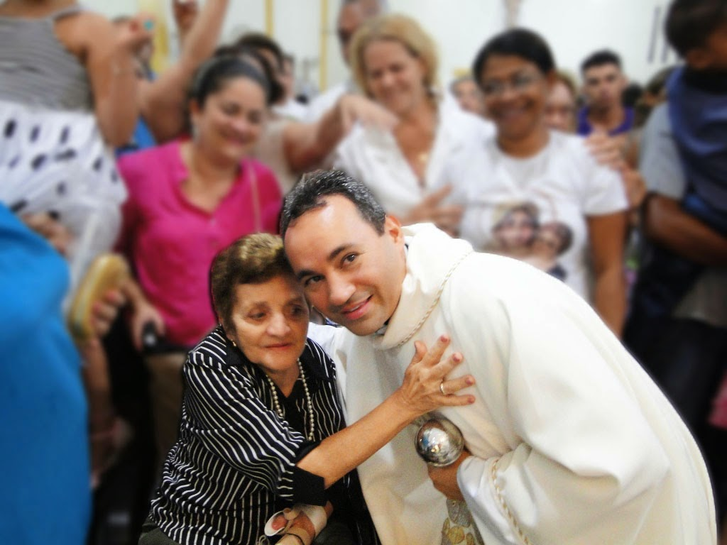 http://docristaoarmadura.blogspot.com.br/2015/04/celebracao-da-vigilia-pascal.html