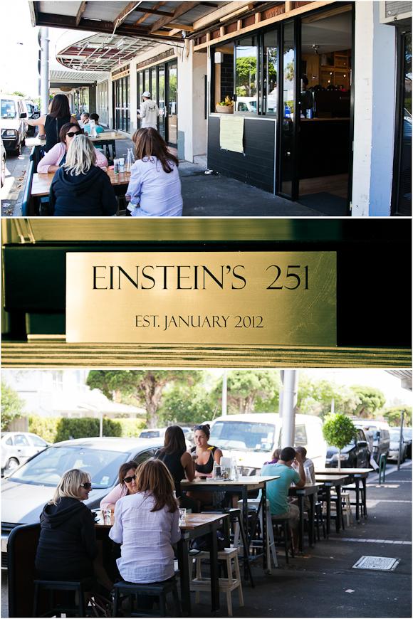 Einsteins 251