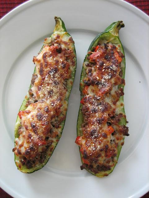 ... , domesticity, and all things mini: Sausage-stuffed zucchini boats