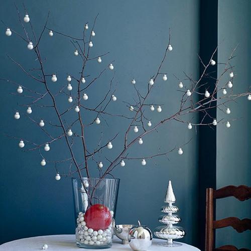improvisar árvore de natal com galhos