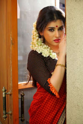 Hot Telugu Actress Archana Sexy Pictures