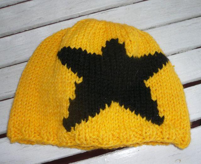 Jammer Beanie Knitting Pattern : Derby Derby Do: Roller Derby Crafts