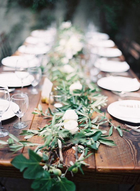Italian wedding naturally decorated tablescape via Roost