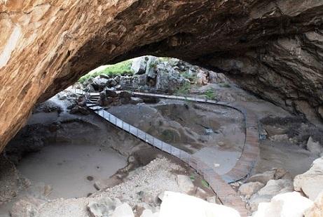Το δικό μας αφιέρωμα για το προϊστορικό Σπήλαιο Φράγχθι στην Κοιλάδα...