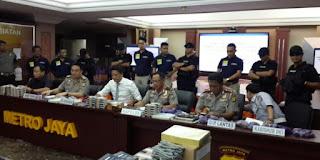 Ke 10 pelaku terancam pasal 263 tentang pemalsuan dokumen dengan ancaman hukuman penjara di atas 5 tahun