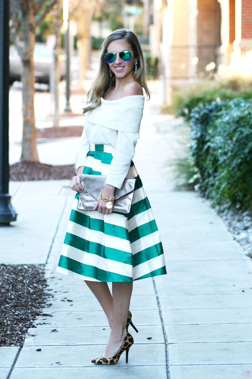 how-to-style-box-pleated-midi-skirt-for-winter