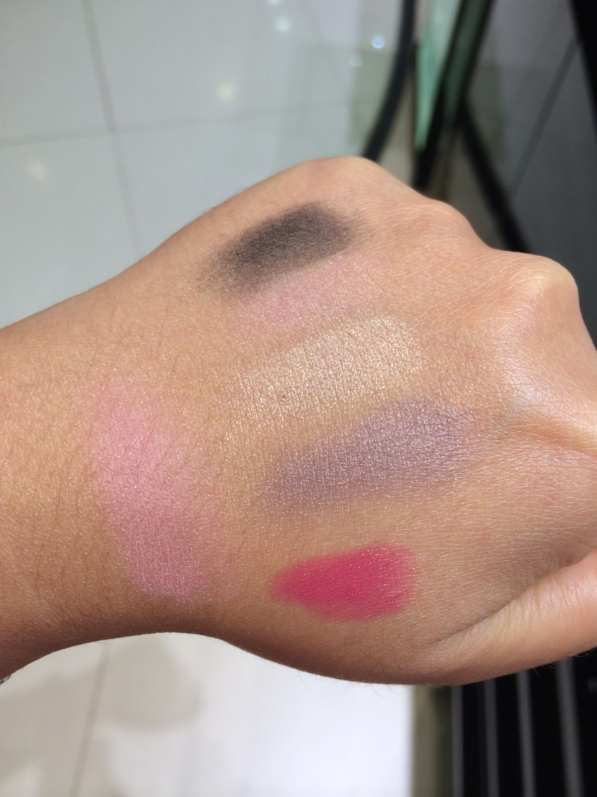 Miaka 39 s life and loves chanel quadra eye shadow in jardin zen for Jardin zen