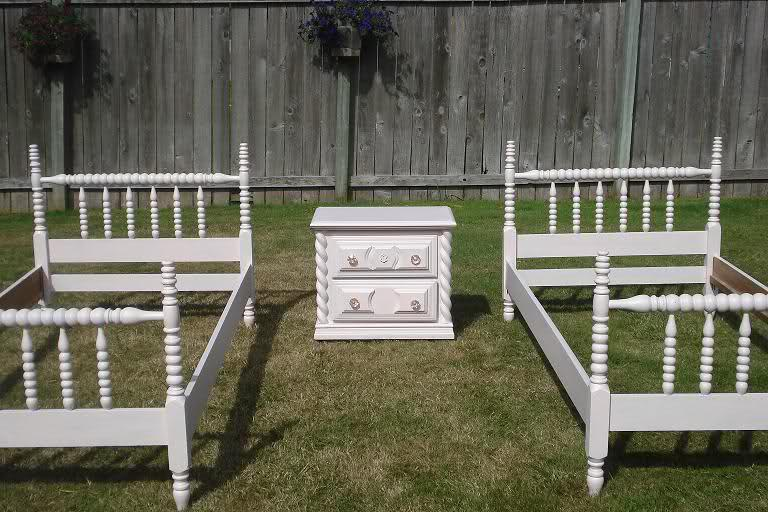 so cute spindle bed set includes two matching twin beds with perfectly matched nightstand that has pink crystal knobssold - Spindle Bed