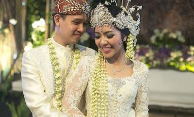 pernikahan pria wanita
