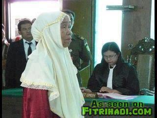 Kisah Sedih Hakim Mahkamah Bantu Nenek Tua Yang Mencuri