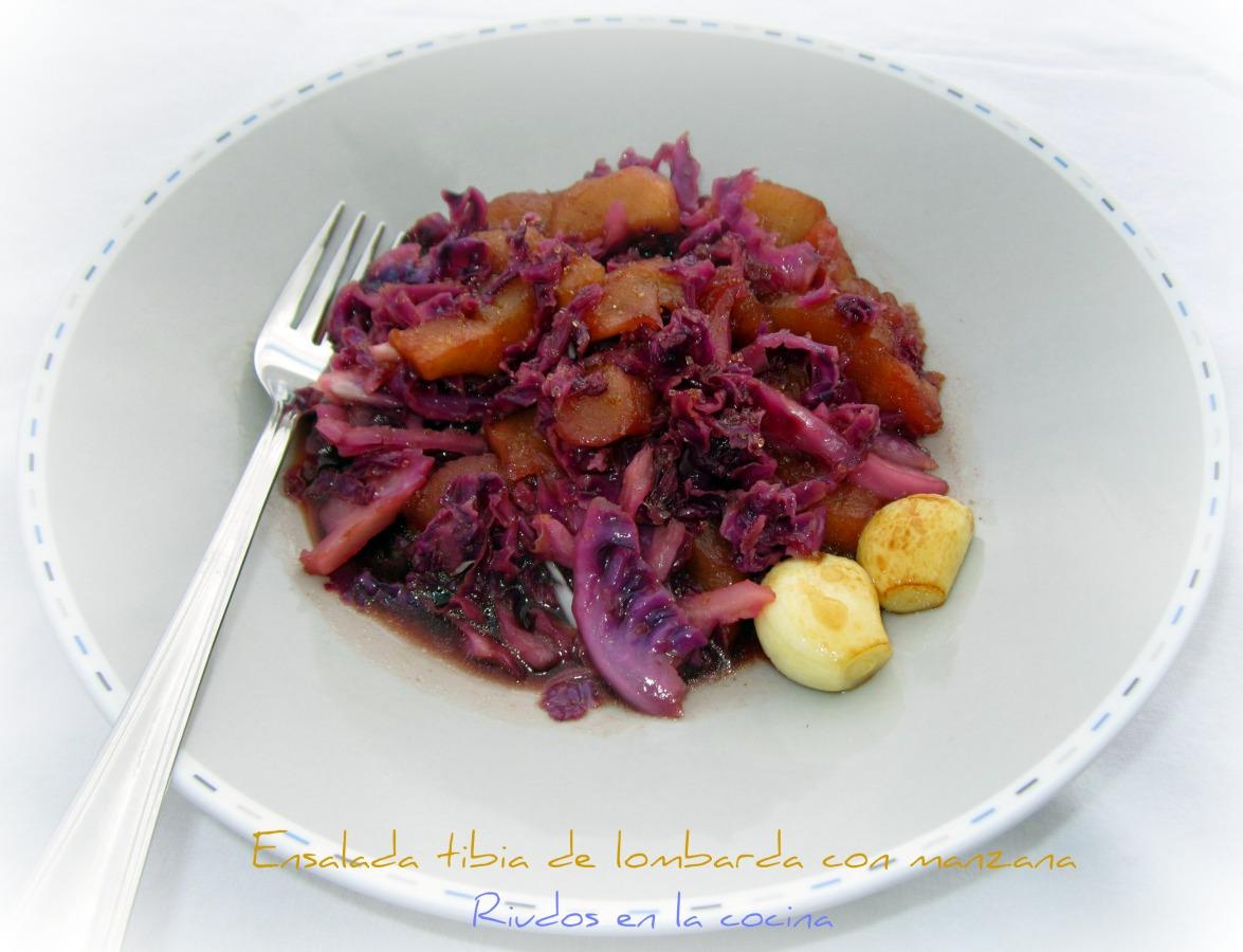 Ruidos en la cocina ensalada tibia de lombarda con manzana for Cocinar lombarda