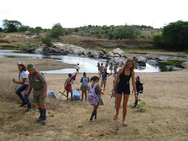 Catação de resíduos solidos no leito do Rio Piancó