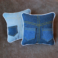 http://roonieranching.blogspot.com/2013/12/denim-tooth-fairy-pillow-sewing-tutorial.html