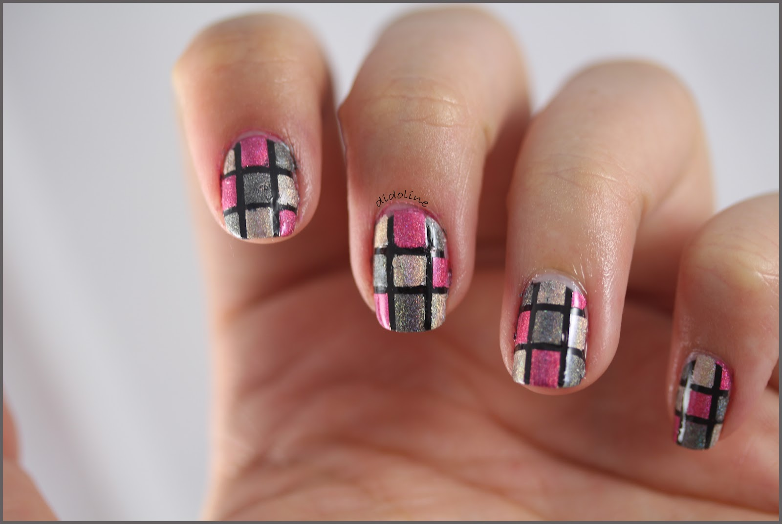 Mosaic_Nails_1.jpg
