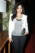 Madhavi Latha Latest Photos Gallery-thumbnail-6