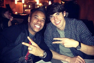 Robinho and Kaka having dinner at a Milan restaurant