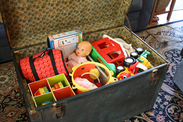 creative toy storage, trunk stores toys out of sight