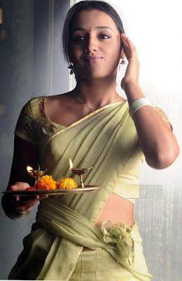 http://2.bp.blogspot.com/--NWexDcfthE/TkshZWqpDqI/AAAAAAAAA6U/m5n2OcGhG1g/s1600/trisha+half+sarees+sexy.jpg