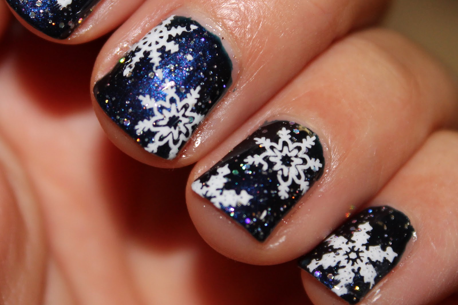 Nails on the go by nicole snowflake christmas nails snowflake christmas nails prinsesfo Gallery
