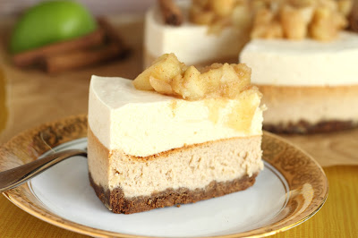 Cinnamon cheesecake with apple mousse
