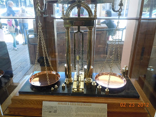 wells fargo gold scale