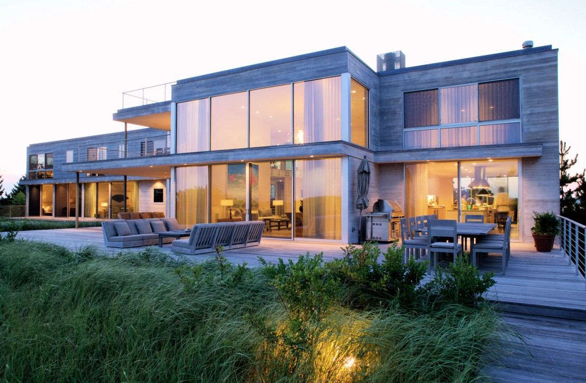 Luxury beach homes luxury beach home southampton new Modern house architect new york